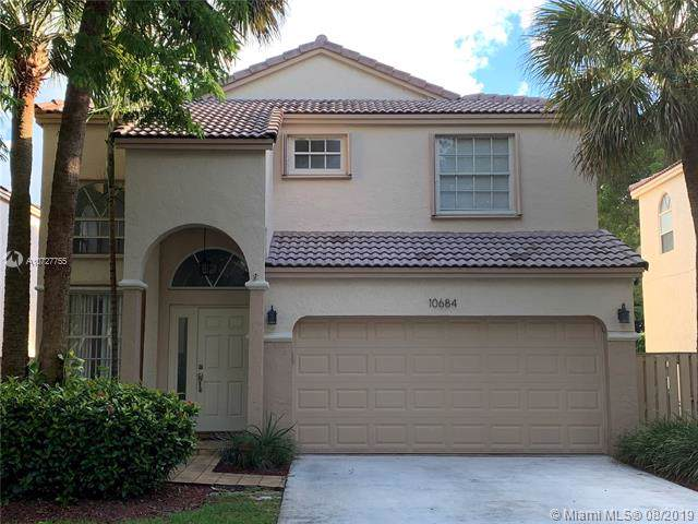 10684 NW 12th Ct, Plantation, FL 33322 (MLS #A10727755) :: The Teri Arbogast Team at Keller Williams Partners SW
