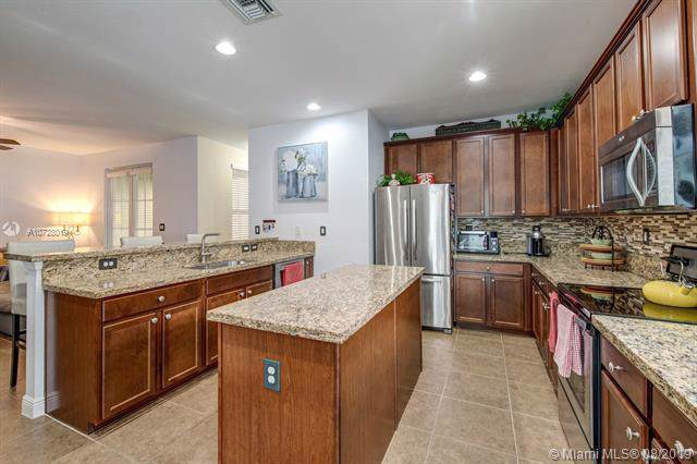 14745 SW 13th St, Pembroke Pines, FL 33027 (MLS #A10728019) :: Ray De Leon with One Sotheby's International Realty