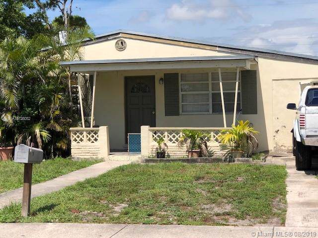 401 SW 24th Ave, Fort Lauderdale, FL 33312 (MLS #A10728052) :: Berkshire Hathaway HomeServices EWM Realty