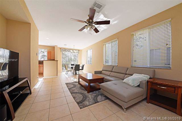 2920 Carvelle Dr, Riviera Beach, FL 33404 (MLS #A10728147) :: Ray De Leon with One Sotheby's International Realty