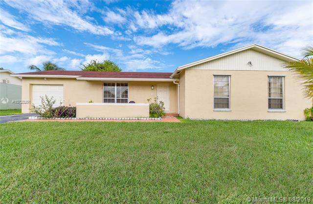 26564 SW 122nd Pl, Homestead, FL 33032 (MLS #A10728251) :: The Riley Smith Group