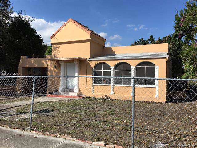421 NW 59th St, Miami, FL 33127 (MLS #A10728258) :: Berkshire Hathaway HomeServices EWM Realty