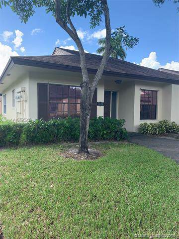 7538 E Nova Dr #16, Davie, FL 33317 (MLS #A10728265) :: RE/MAX Presidential Real Estate Group