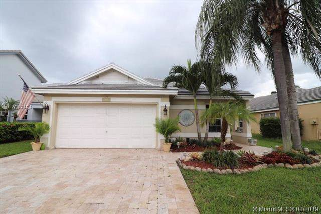 8960 N Lake Park Cir N, Davie, FL 33328 (MLS #A10728313) :: RE/MAX Presidential Real Estate Group