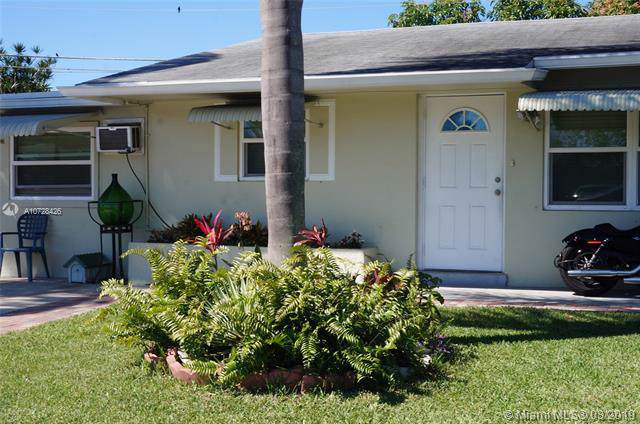 2655 NW 65 Av, Margate, FL 33063 (MLS #A10728426) :: Ray De Leon with One Sotheby's International Realty