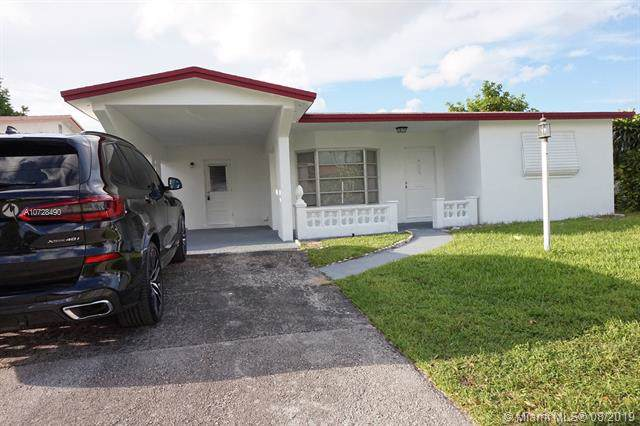 5119 NW 43rd Ct, Lauderdale Lakes, FL 33319 (MLS #A10728490) :: The Kurz Team