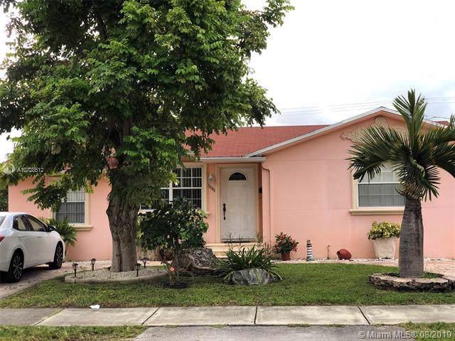 3885 NW 3rd St, Miami, FL 33126 (MLS #A10728512) :: Grove Properties