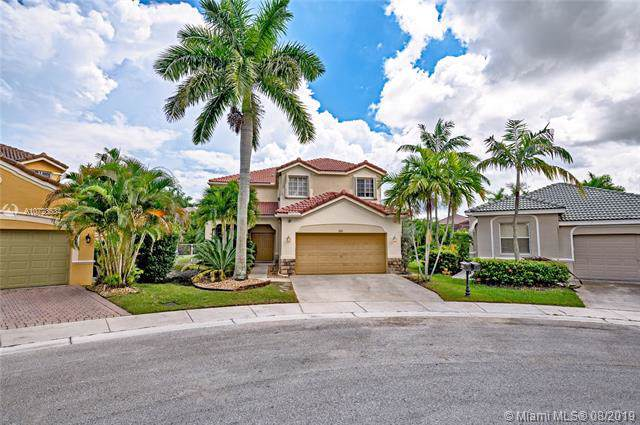 681 Live Oak Ln, Weston, FL 33327 (MLS #A10728534) :: United Realty Group