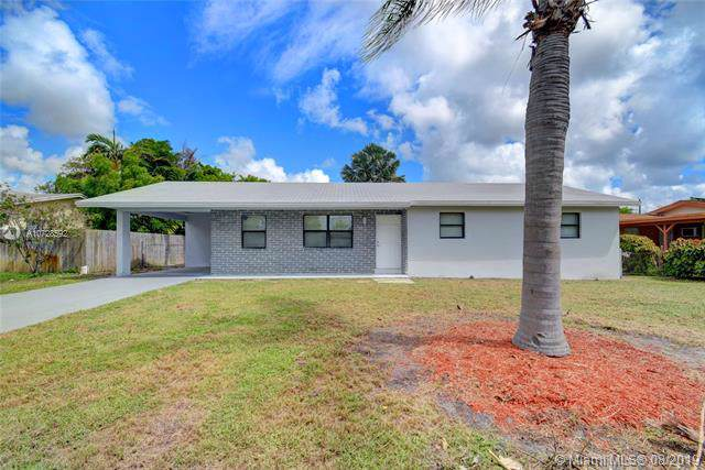 193 SE 27th Ave, Boynton Beach, FL 33435 (MLS #A10728592) :: Berkshire Hathaway HomeServices EWM Realty