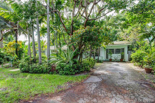 520 NE 118th St, Biscayne Park, FL 33161 (MLS #A10728615) :: The Maria Murdock Group