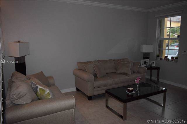 8768 NW 113th Ct #8768, Doral, FL 33178 (MLS #A10728785) :: The Maria Murdock Group