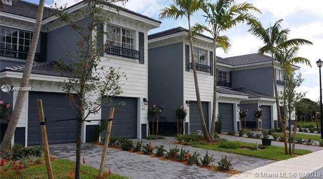 3567 NW 13th St #3567, Lauderhill, FL 33311 (MLS #A10728845) :: Grove Properties