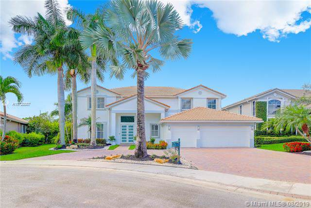 1702 Victoria Pointe Cir, Weston, FL 33327 (MLS #A10728887) :: United Realty Group