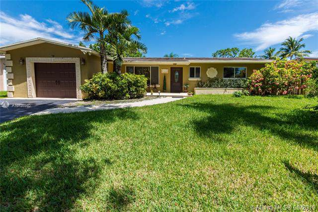 11611 NW 21st St, Pembroke Pines, FL 33026 (MLS #A10728940) :: RE/MAX Presidential Real Estate Group