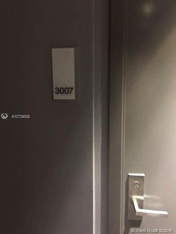1300 Brickell Bay Dr #3007, Miami, FL 33131 (MLS #A10729058) :: Berkshire Hathaway HomeServices EWM Realty