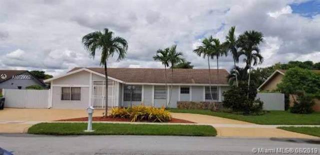 13237 SW 44th Ln, Miami, FL 33175 (MLS #A10729062) :: The Paiz Group