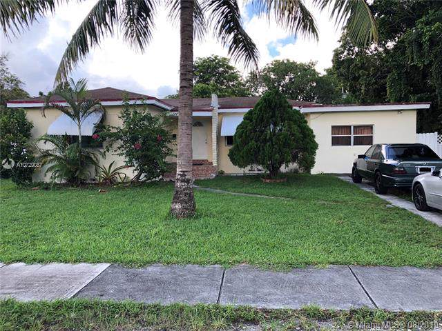 1220 NE 130th St, North Miami, FL 33161 (MLS #A10729087) :: The Maria Murdock Group