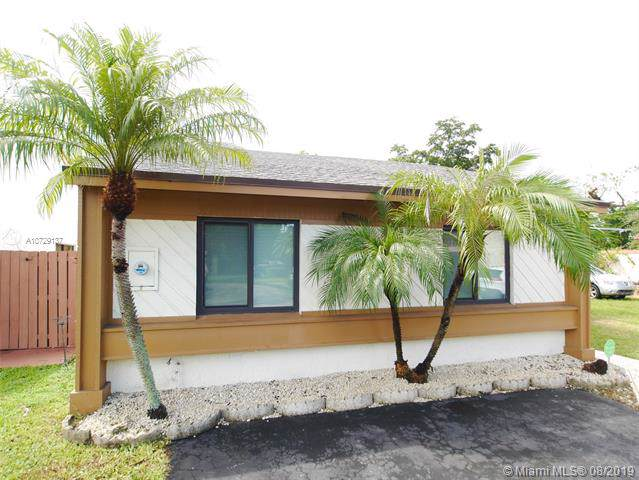 9634 SW 148th Ct, Miami, FL 33196 (MLS #A10729137) :: The Edge Group at Keller Williams