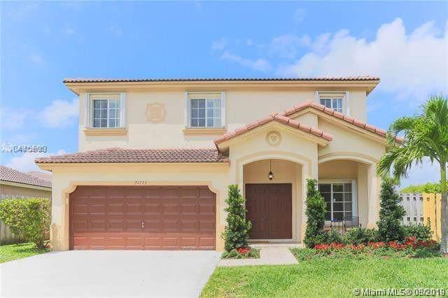 21222 SW 88th Pl, Cutler Bay, FL 33189 (MLS #A10729193) :: Castelli Real Estate Services