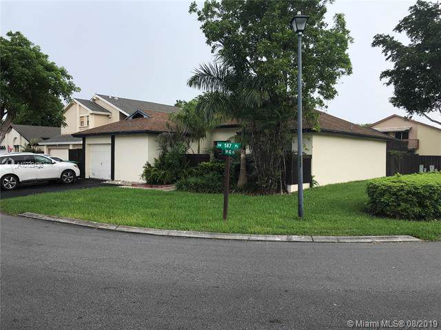 4331 SW 147 LANE, Miami, FL 33185 (MLS #A10729436) :: Castelli Real Estate Services