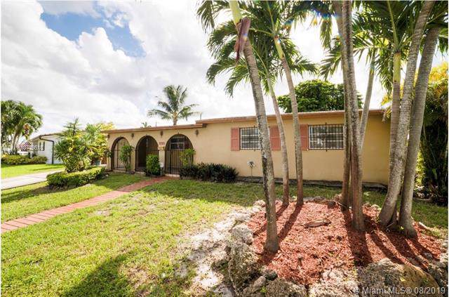 17101 NW 86TH, Hialeah, FL 33015 (MLS #A10729518) :: The Riley Smith Group