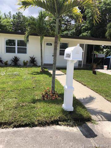 1006 NW 13th Ct, Fort Lauderdale, FL 33311 (MLS #A10730226) :: The Kurz Team