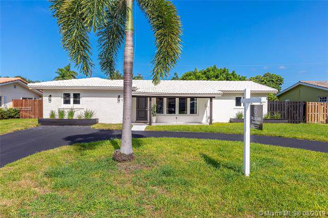 5712 NE 16 Ave, Fort Lauderdale, FL 33334 (MLS #A10730235) :: The Teri Arbogast Team at Keller Williams Partners SW