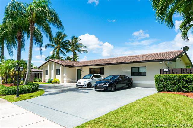 14420 SW 92nd Ave, Miami, FL 33176 (MLS #A10730782) :: The Erice Group