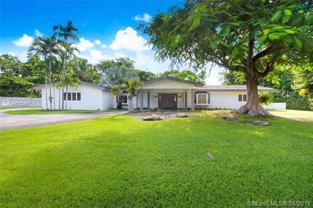 10801 SW 67th Ave, Pinecrest, FL 33156 (MLS #A10730907) :: Castelli Real Estate Services
