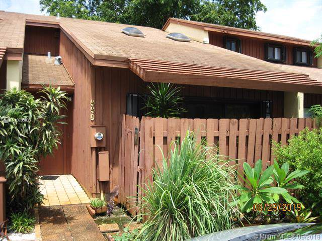 443 SE 11th Terrace, Dania Beach, FL 33004 (MLS #A10730908) :: Castelli Real Estate Services
