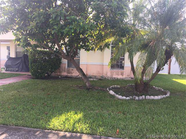 17762 SW 114th Ave, Miami, FL 33157 (MLS #A10731318) :: The Riley Smith Group