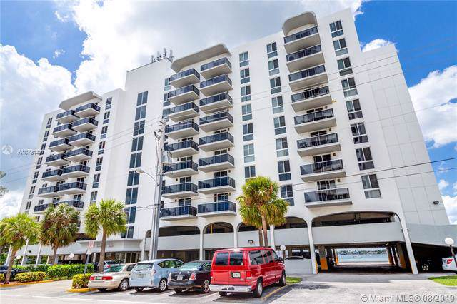7928 West Dr #405, North Bay Village, FL 33141 (MLS #A10731431) :: Grove Properties