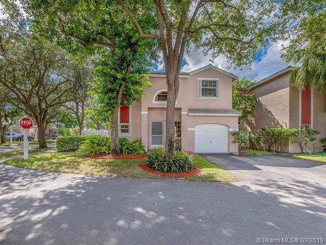 9829 NW 9th Ct, Plantation, FL 33324 (MLS #A10731638) :: Grove Properties