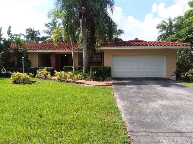 1340 Coruna Ave, Coral Gables, FL 33156 (MLS #A10731918) :: The Maria Murdock Group