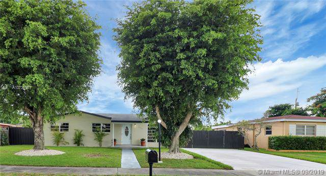 12530 SW 187th Ter, Miami, FL 33177 (MLS #A10731951) :: The Jack Coden Group