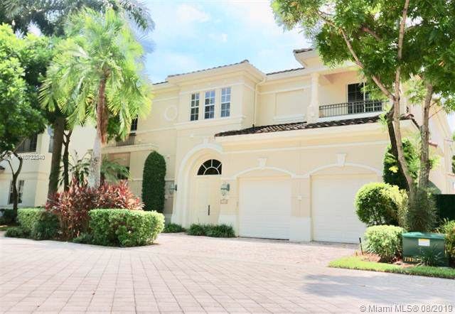 1000 N Sanibel Dr, Hollywood, FL 33019 (MLS #A10732340) :: Ray De Leon with One Sotheby's International Realty