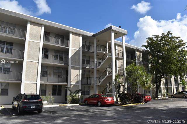 4898 NW 29th Ct #405, Lauderdale Lakes, FL 33313 (MLS #A10732343) :: The Kurz Team