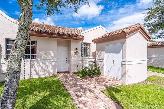 3111 NW 86th Ave, Sunrise, FL 33351 (MLS #A10732670) :: The Riley Smith Group