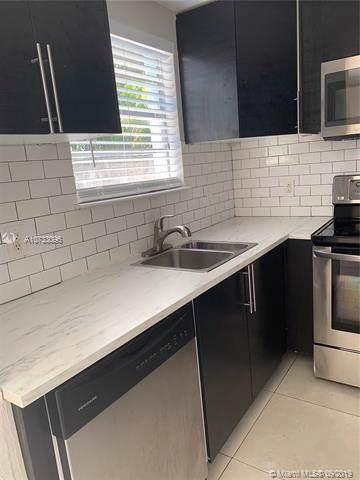 1653 W 27 Street D, Riviera Beach, FL 33404 (MLS #A10733096) :: Ray De Leon with One Sotheby's International Realty