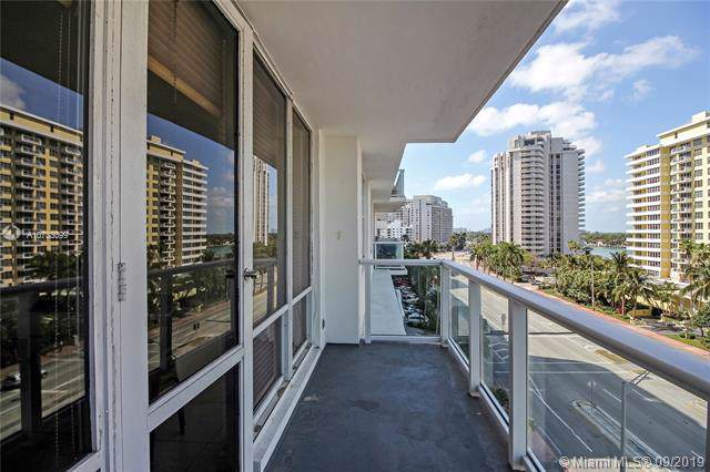 5601 Collins Ave #716, Miami Beach, FL 33140 (MLS #A10733099) :: The Teri Arbogast Team at Keller Williams Partners SW