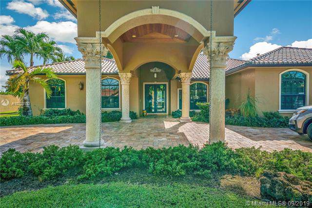13525 NW 102nd Ave, Hialeah Gardens, FL 33018 (MLS #A10733150) :: Grove Properties