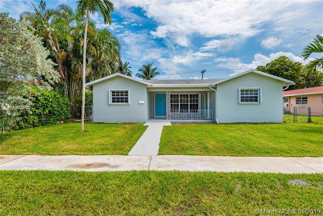 206 SE 3rd Pl, Dania Beach, FL 33004 (MLS #A10733151) :: Castelli Real Estate Services