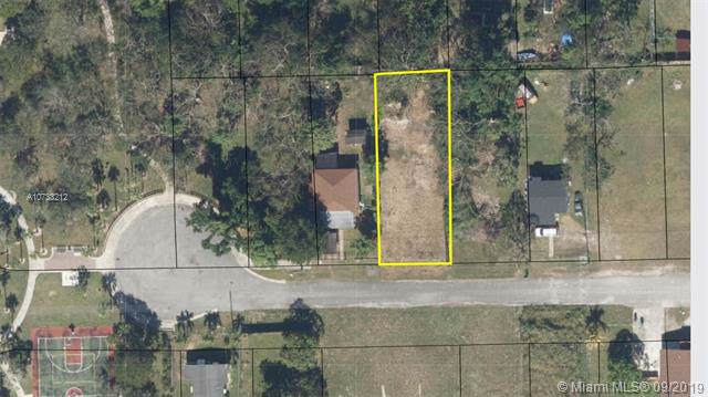 122 ave 219 Street, Goulds, FL 33170 (MLS #A10733212) :: Green Realty Properties