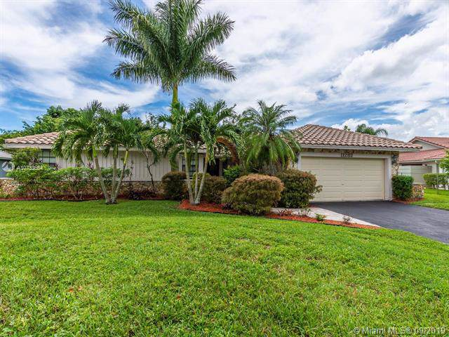11282 NW 11th Court, Coral Springs, FL 33071 (MLS #A10733664) :: The Kurz Team