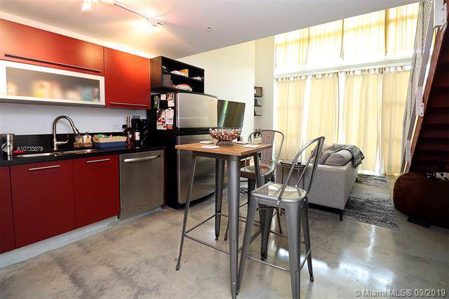 253 NE 2nd St #415, Miami, FL 33132 (MLS #A10733879) :: Grove Properties