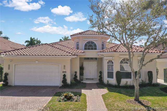 902 Captiva Dr, Hollywood, FL 33019 (MLS #A10734003) :: Ray De Leon with One Sotheby's International Realty