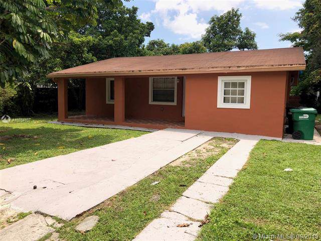 5920 SW 59 ST, South Miami, FL 33143 (MLS #A10734107) :: Ray De Leon with One Sotheby's International Realty