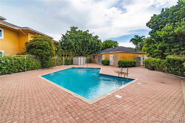 421 SE 10th St A203, Dania Beach, FL 33004 (MLS #A10734126) :: Ray De Leon with One Sotheby's International Realty