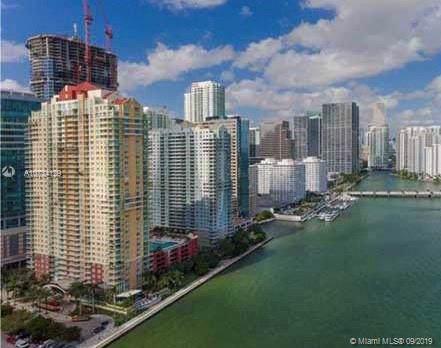 Miami, FL 33131 :: Berkshire Hathaway HomeServices EWM Realty