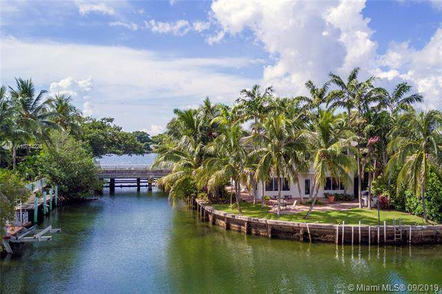 1221 Biscaya Dr, Surfside, FL 33154 (MLS #A10734228) :: Ray De Leon with One Sotheby's International Realty